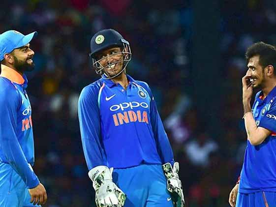 This Is How Dhoni Becomes Captain With Kohli Still On The Field