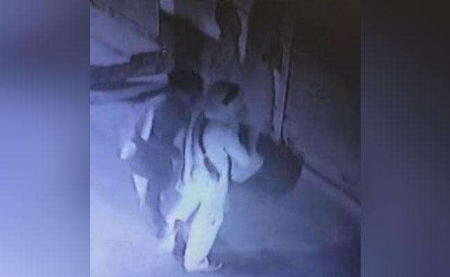 बुराड़ी में 11 मौतों की गुत्थी 11 डायरियों से सुलझी, CCTV फुटेज में दिखा आखिरी रात का 'मंजर'