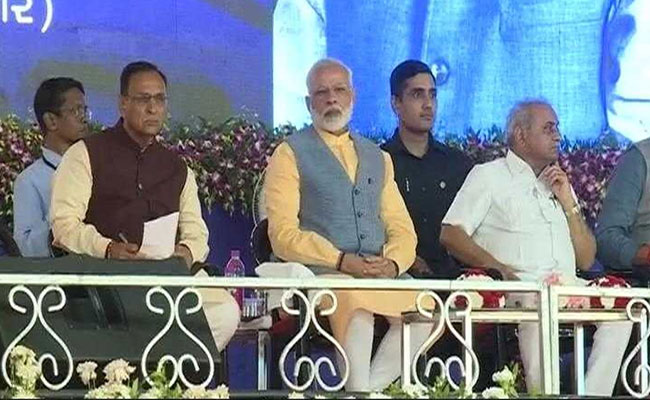 A Day Before PM's Gujarat Visit, 2 Hardik Patel Aides Join BJP: 10 Facts